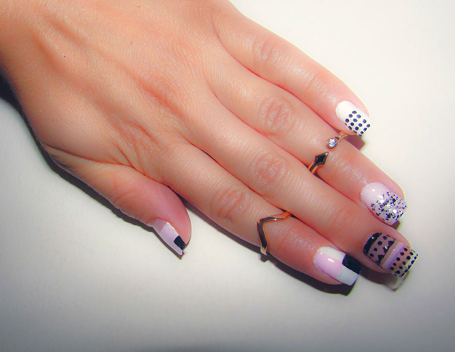 11 Lovely Negative Space Nail Art Designs With a Modern Twist ...