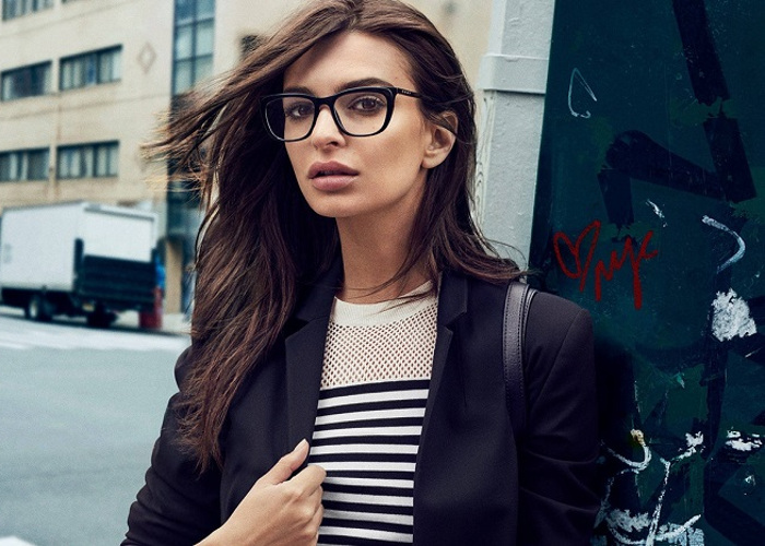 Emily Ratajkowski Masters the Street Style in DKNY's Fall 2017 Campaign 10