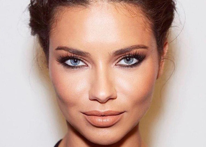 Gorgeous Celebrity Makeup Looks Everyone Can Pull Off