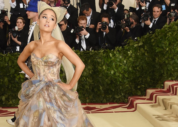 Ariana-Grande-and-Pete-Davidson-Are-Reportedly-Dating.