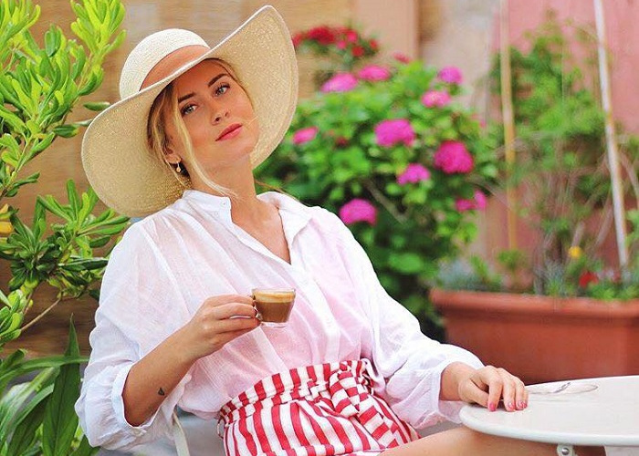 16 Ways To Style A Straw Hat For Hot Days (14)