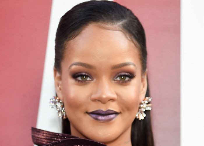 The Hottest Summer Lip Colors Spotted on Celebs Rihanna metallic plum lipstick