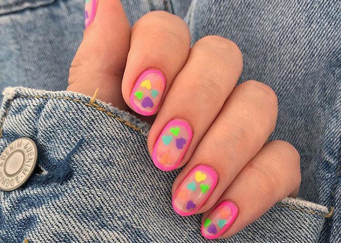Upgrade-Your-Mani-With-These-Negative-Space-Nail-Art-Ideas-81