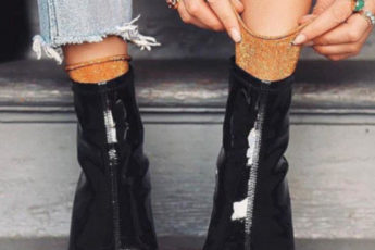 Cute-Ways-to-Style-Your-Shoes-With-Socks-lacquer-boots-and-sparky-socks1
