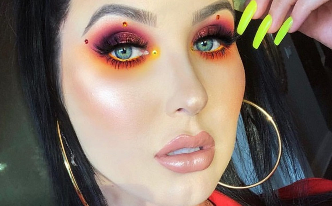 Gorgeous-Makeup-Looks-To-Flaunt-For-Thanksgiving-3