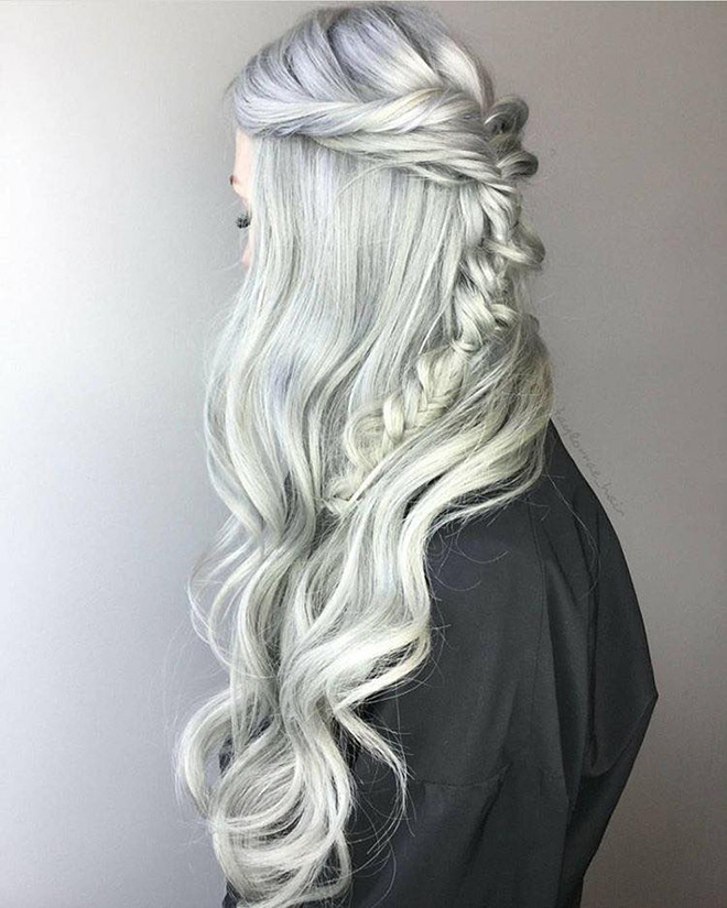 The-Best-Long-Hairstyles-for-Winter-main-image-silver-hair