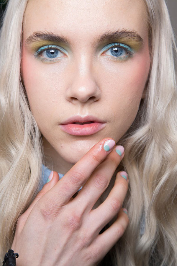 How To Slim Your Face With Makeup
