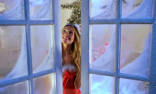 Victoria's Secret Angels Sing 'Deck the Halls' for Holiday 2012