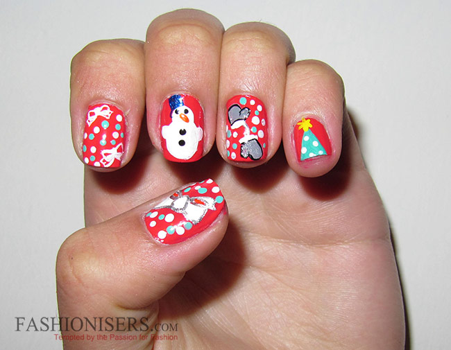 11 Cute Christmas Nail Art Designs