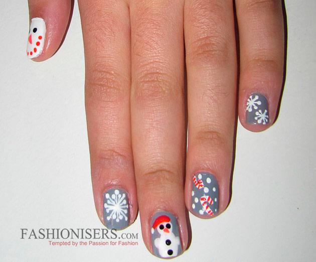 11 Cute Christmas Nail Art Designs