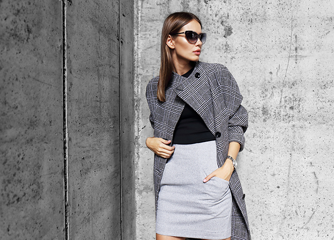 how-to-dress-for-professional-success-stylish-woman-in-successful-attire