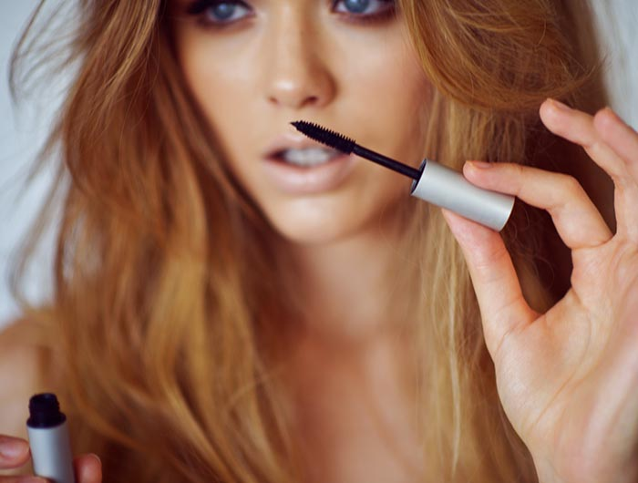 Tricks for Applying Mascara To Get Pretty Bambi Lashes
