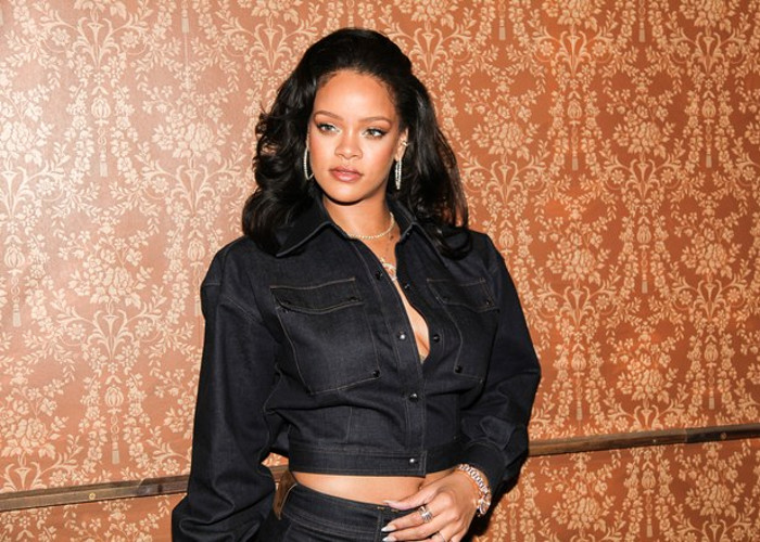 Watch The Best Moments From Vogue's Inaugural Forces of Fashion Conference 1Watch The Best Moments From Vogue's Inaugural Forces of Fashion Conference Rihanna