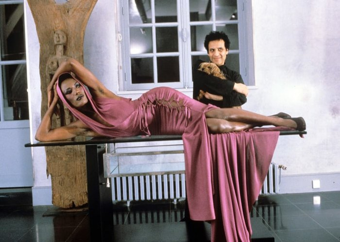 The Fashion World Mourns The Death Of Azzedine Alaïa Grace Jones
