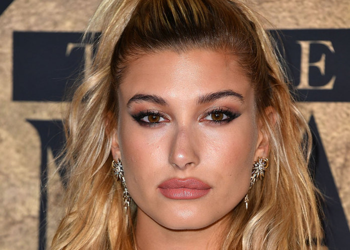 Celeb-Inspo-The-Best-Hairstyles-for-long-hair-Hailey-Baldwin