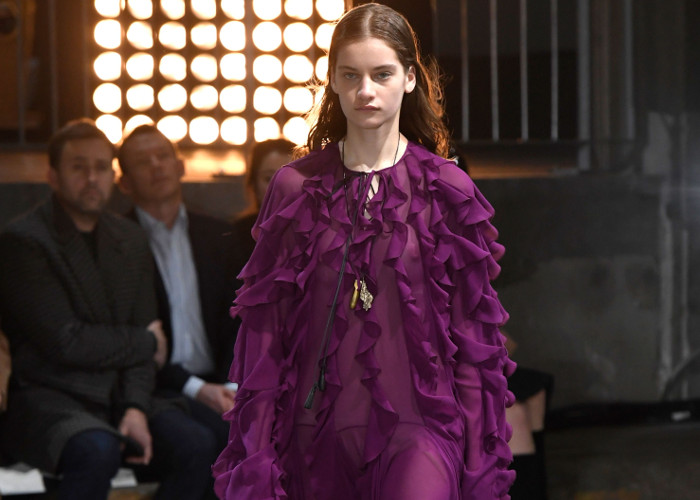 Giambattista Valli Fall 2018 Collection at PFW