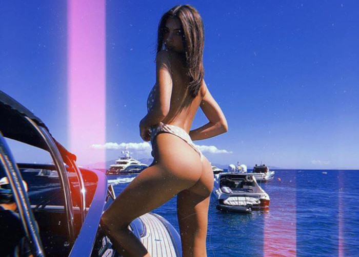 Emily Ratajkowskis Hottest Swimwear Moments