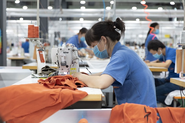 "Everlane-Is-Launching-Sustainable-""Clean-Silk""-China factory"