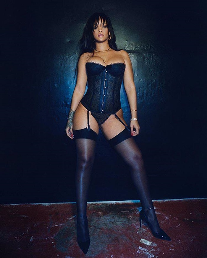 Rihanna-Brings-Savage-x-Fenty-To-NYFW-black lingerie