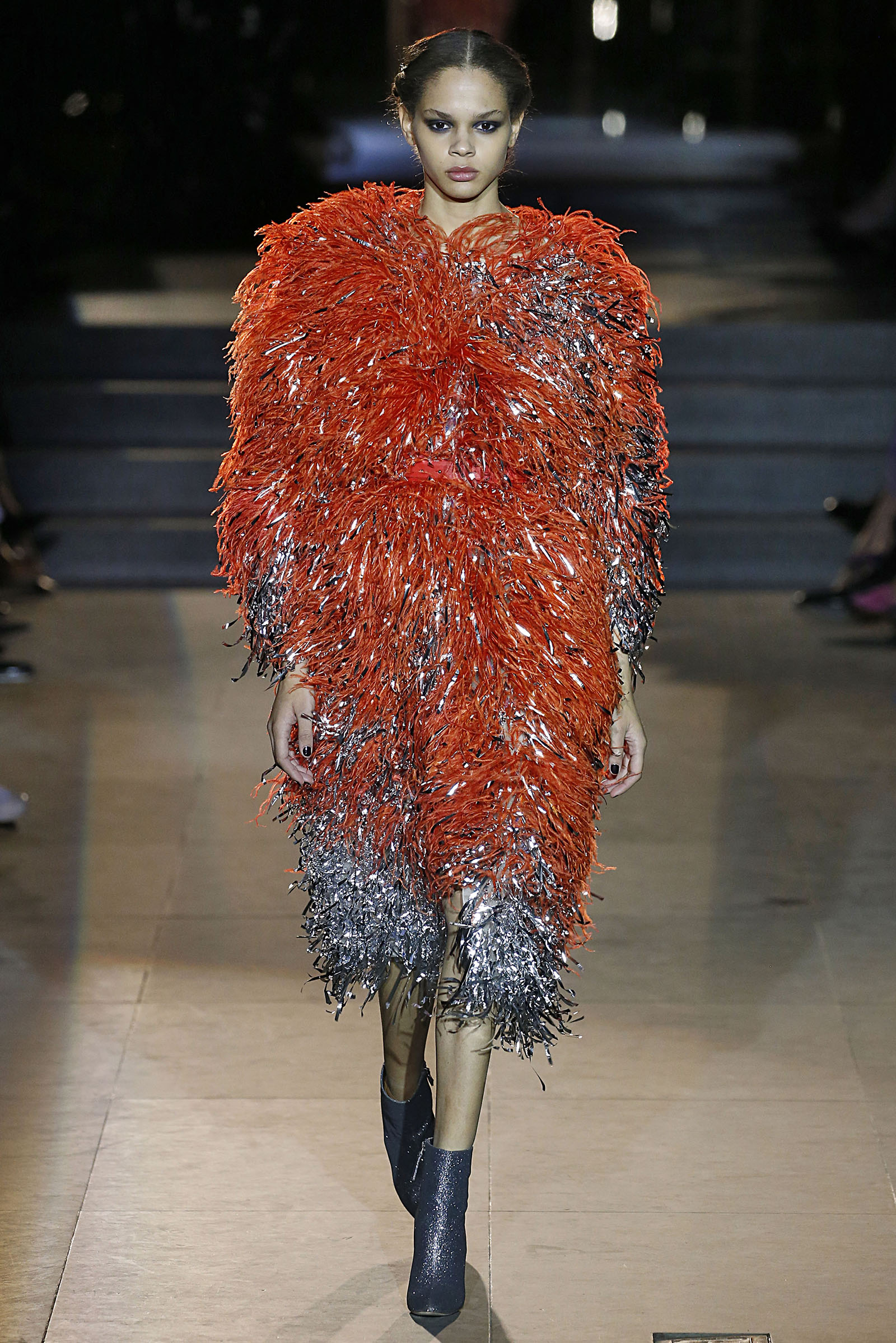 The-Biggest-Fall-2018-Fashion-Trends-fringed-dress