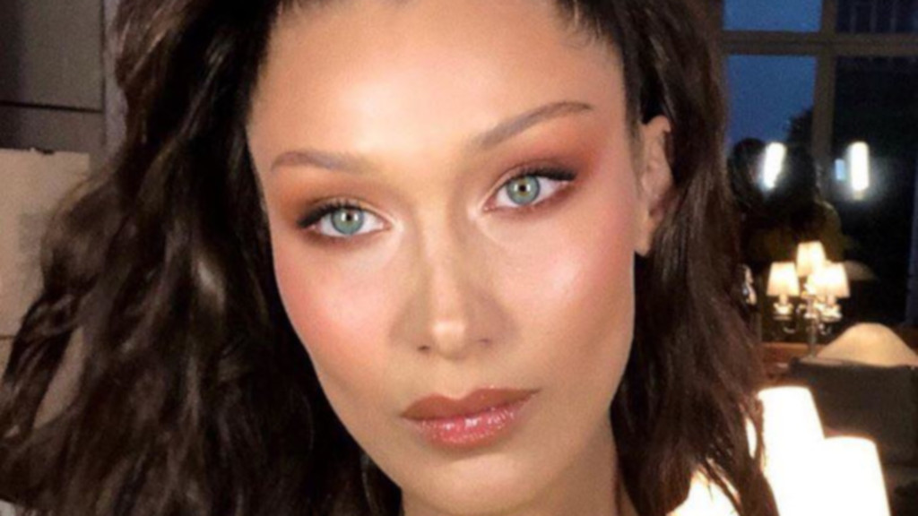 How-to-Nail-The-Mawy-Makeup-Trend-That-Got-Celebs-Obsessed-Bella-Hadid