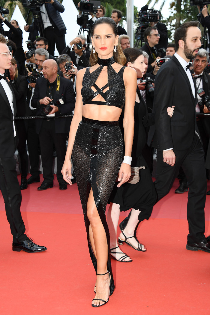 Sultry-Center-Slit-Is-The-New-Side-Slit-According-To-Stars-izabel goulart