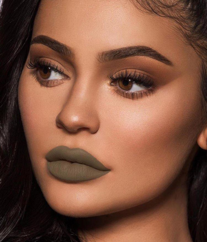 The-Lip-Colors-We-Are-Stealing-From-Celebs-This-Fall-Kylie-Jenner