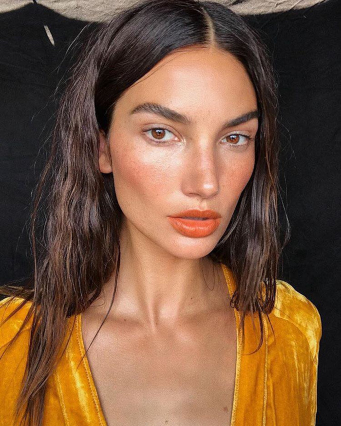 The-Lip-Colors-We-Are-Stealing-From-Celebs-This-Fall-Lily-Aldridge