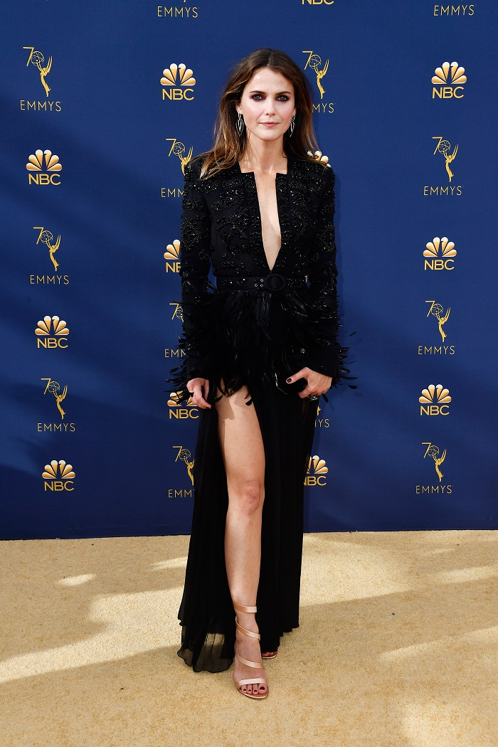 The-Sexiest-Red-Carpet-Moments-You-Might-Have-Missed-From-The-Emmys-keri russel