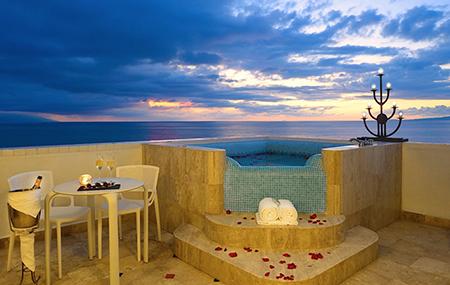 Villa-Premier-Puerto-Vallarta-Mexico-Suite_hot_tub
