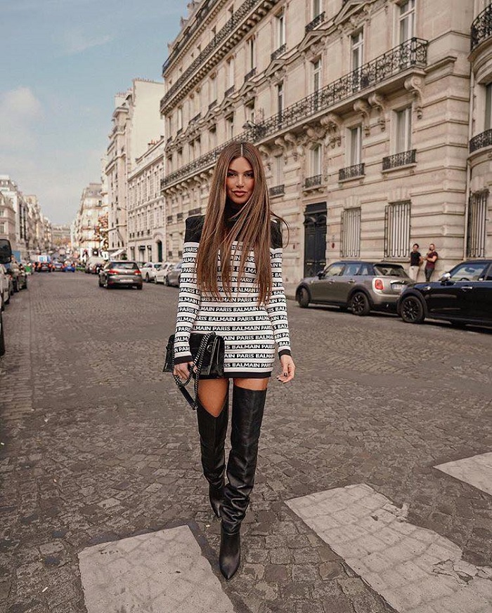 Hottest-Street-Style-Looks-From-PFW-That-Will-Make-You-Go-WOW-mini dress