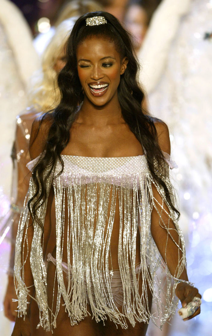 The-Best-Victoria-Secret-Hairstyles-Naomi-Campbell