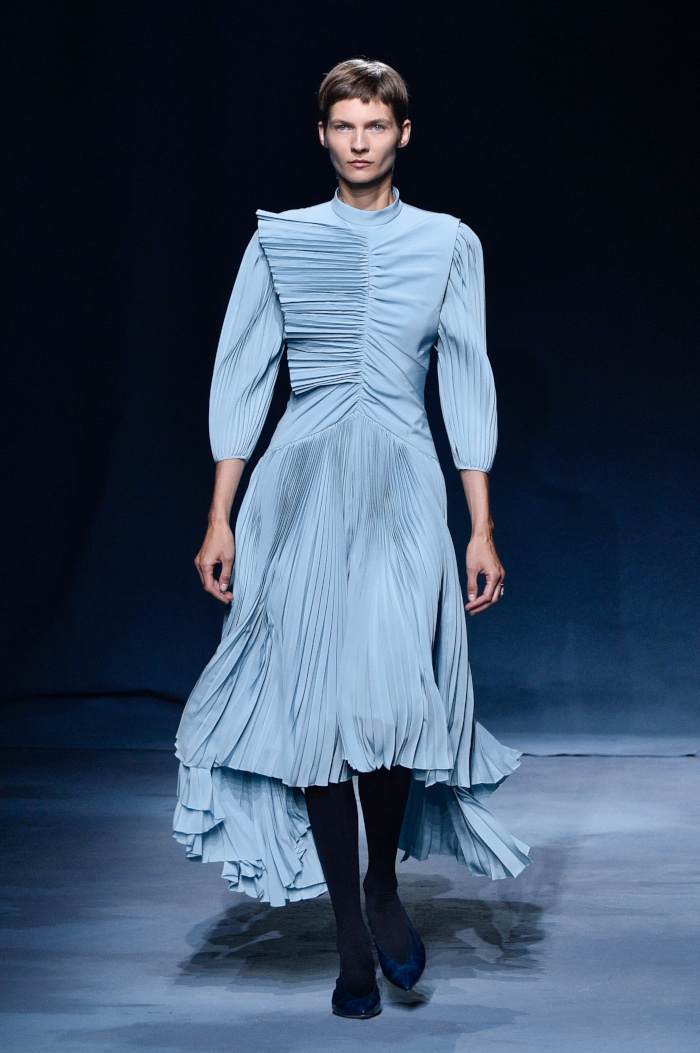 The-Dresses-From-SS-2019-That-Made-Our-Heart-Skip-a-Beat-Givenchy