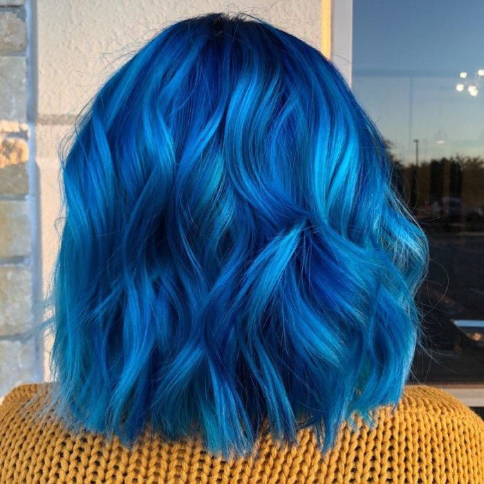 The-Hair-Trends-You-Want-To-Try-Before-the-End-of-the-Year-blue hair