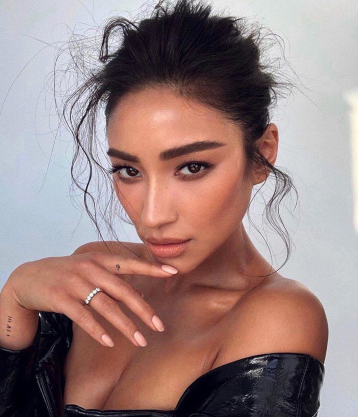 The-Trendiest-Hairstyles-You-Will-Be-Seeing-This-Gala-Season-Shay-Mitchell