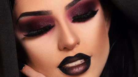 Vampy-Makeup-Looks-To-Get-You-Ready-For-Halloween-burgundy-makeup-look1