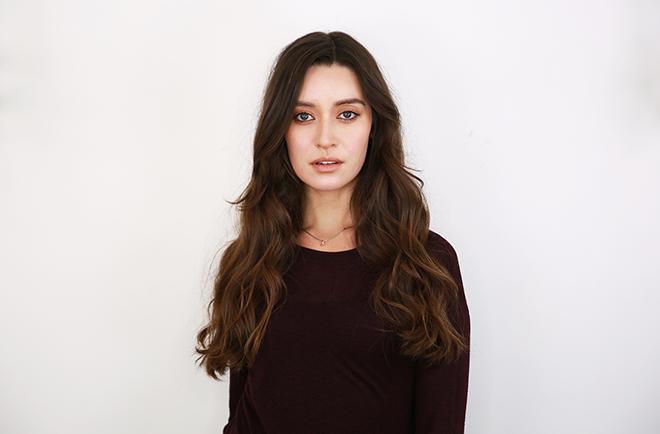 everyday_glam_hairstyle_yuna_min_Sabrina_gomez_Fashionisers_tutorial