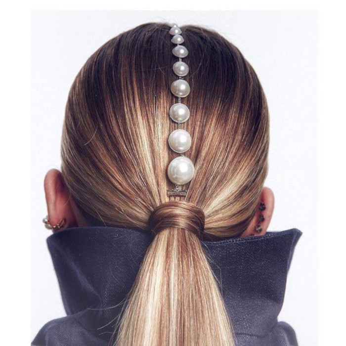 17-Creative-Ways-To-Dress-Up-Your-Ponytail pearl hair accessories