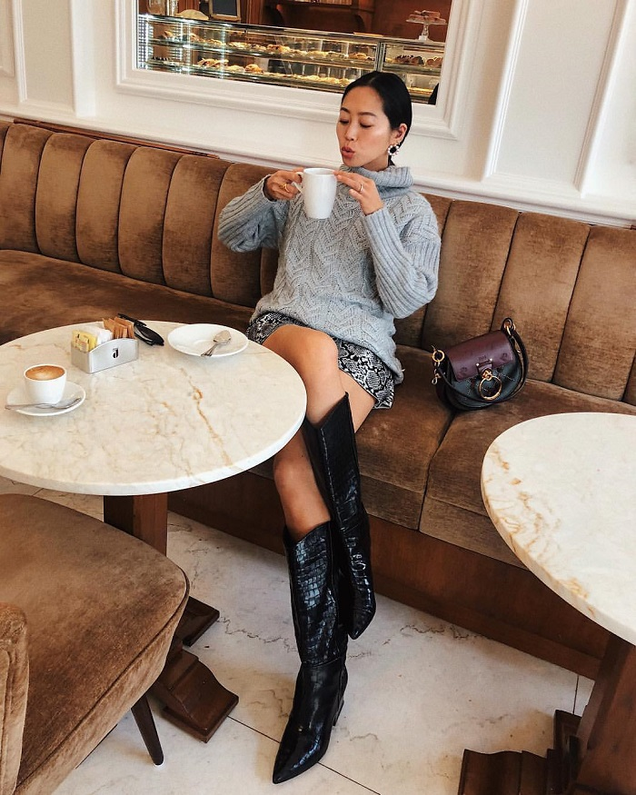 Fall-Shoe-Trends-That-Every-Fashioniser-Needs-cowboy boots