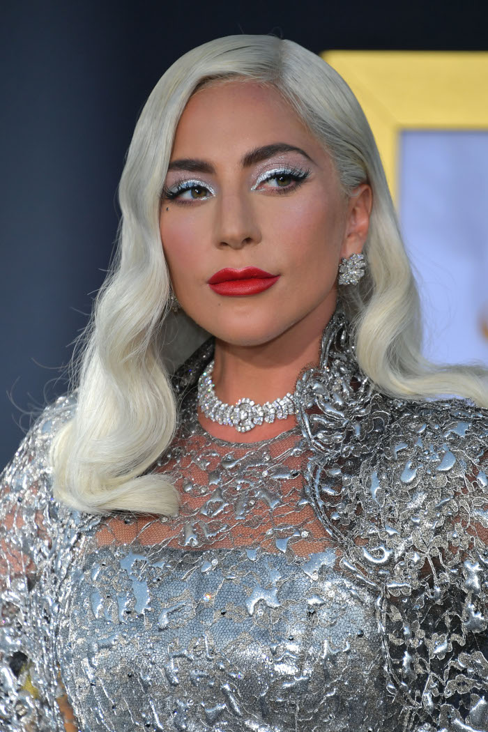 Lady-Gaga-Beauty-Looks-You-Can-Totally-Pull-off-silver-makeup-and-red-lips
