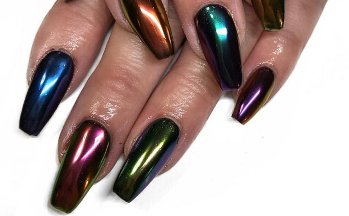 Metallic-Nail-Art-To-Shine-All-The-Way-13