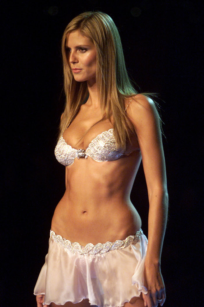 The 90s Supermodels That Still Look As Hot As Ever Fashionisers C