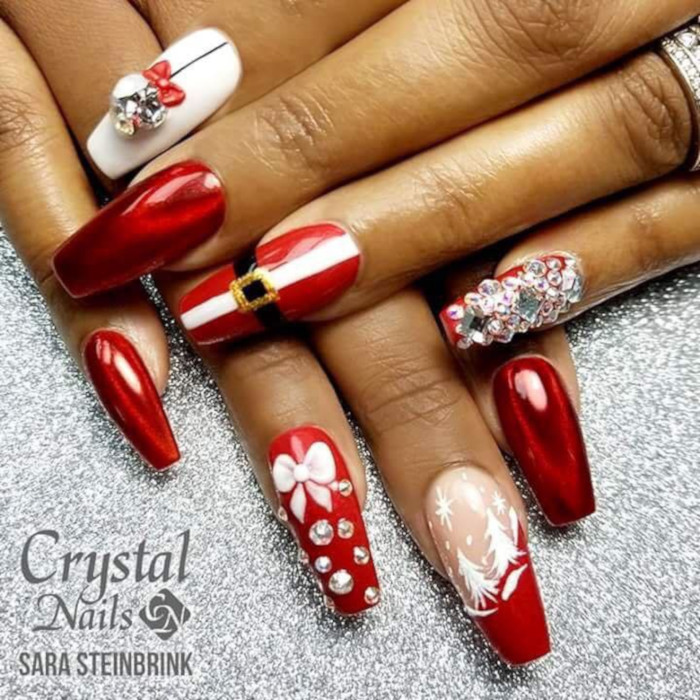 16-Festive-Nail-Art-Ideas-To-Copy-red-santa-claus-nails