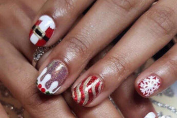 16-Festive-Nail-Art-Ideas-To-Copy-santa-claus-nails1