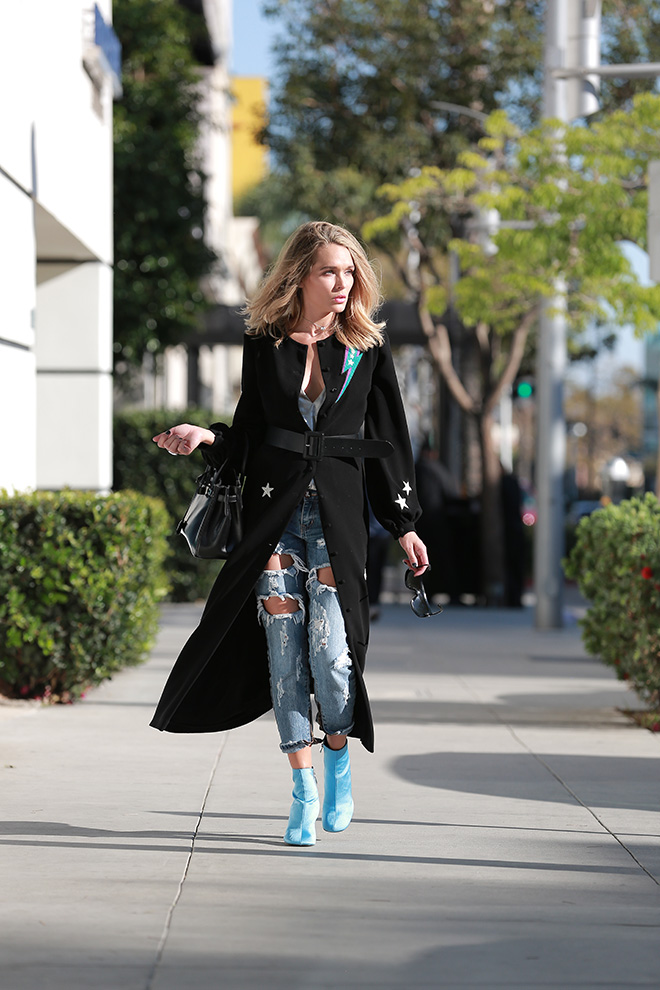 Should-You-Choose-Ankle-Boots-Over-Tall-Boots-Holley-wolfe-2
