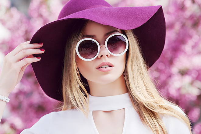The-Ideal-Ensemble-To-Wear-On-Your-Private-Jet-Trip-big-sunglasses-and-hat