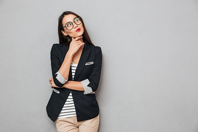 what-colors-to-wear-to-your-job-interview-woman-in-business-suit-blue