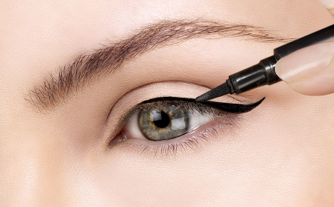 Eyeliner Tricks and Tips from Professionals  Fashionisers©