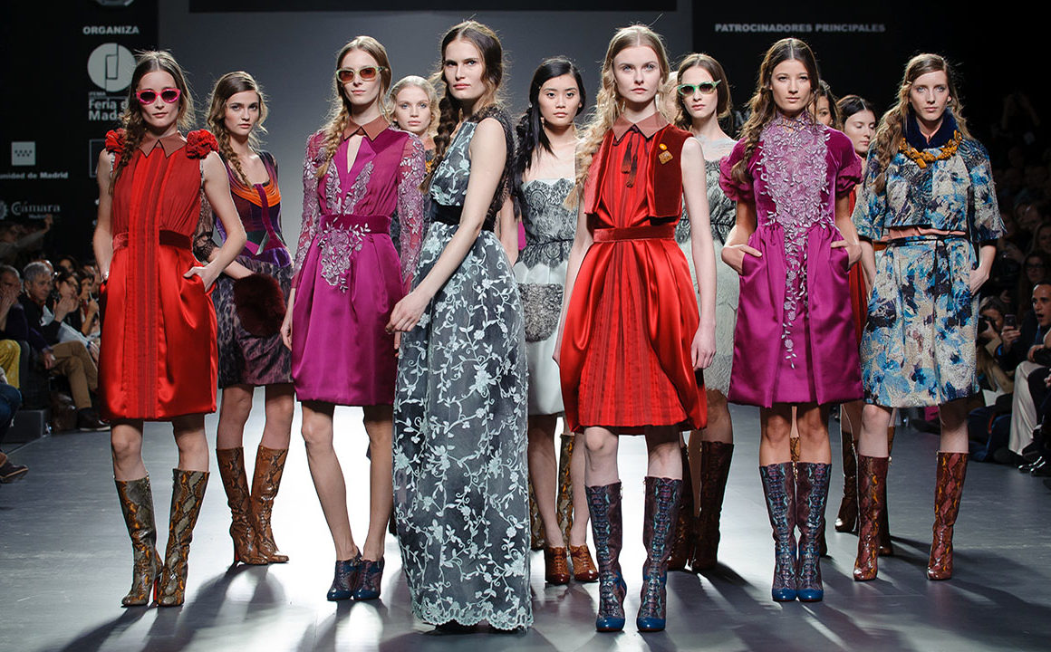 How-Does-an-Agency-Help-Launch-the-Career-of-Young-Aspiring-Models-models-on-runway