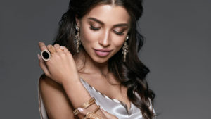 How-to-Choose-The-Best-Jewelry-For-Your-Skin-Tone-main-image